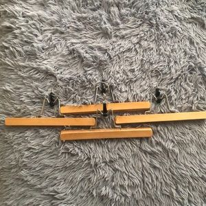 ♥️ 3/$30 Clothes clamping hangers 4pk